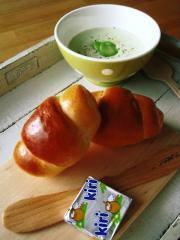 baru-loveさん作ロールパン&クリームチーズ