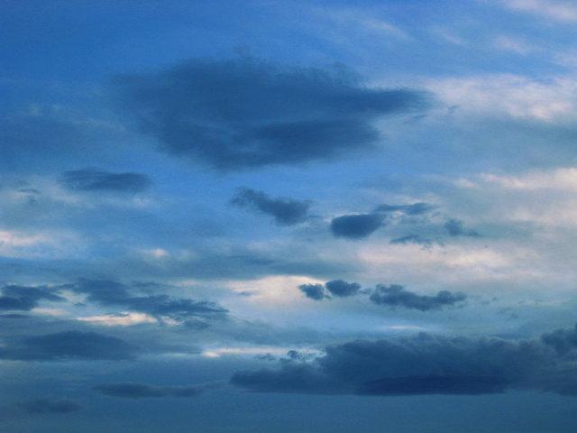 夕方なのに、この青さ・・・