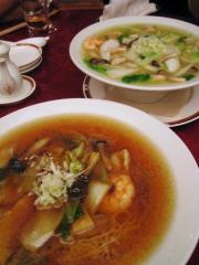 〆は、2種類の汁麺