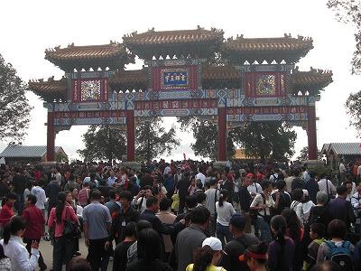 今日の観光客は8万人以上