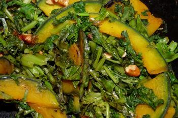 カボチャと大根の葉の炒め物