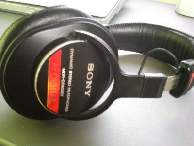 SONY_MDR-CD900ST_01