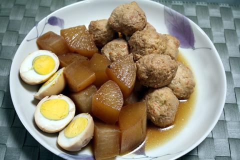 鶏肉団子と大根の煮物