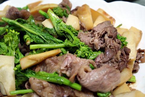 竹の子と牛肉と菜の花のすき焼き風春満載炒め