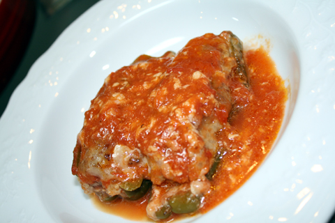 ピーマンんの肉詰めトマトソース