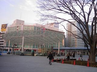 夕方の静岡駅前