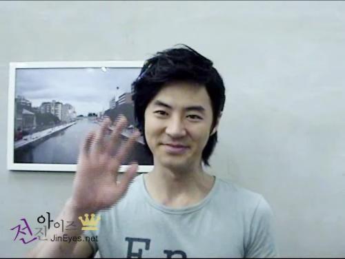 080103 Junjin Happy New Year Message to Jineyes [jineyes + JF Story Ent].wmv_000040433