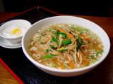 肉片銀芽湯麺