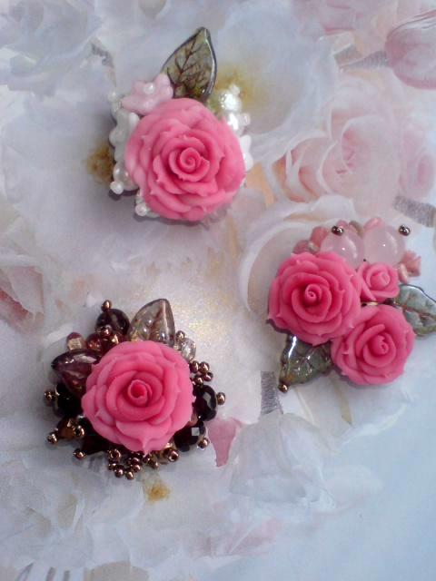 八重咲き薔薇ブローチ1