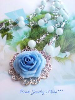 大きな薔薇のネックレス2