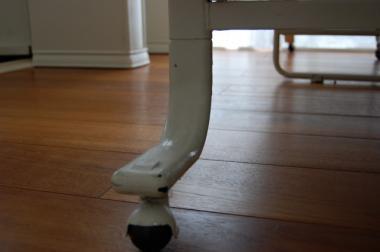 ベッドの脚