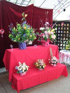 花の雛飾り