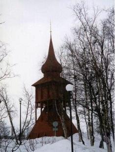 キールナ教会のユニークな塔