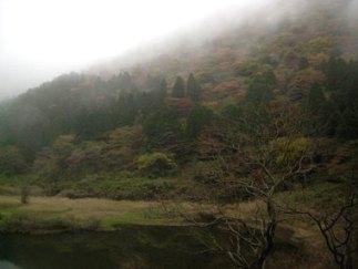 霧にかすむ