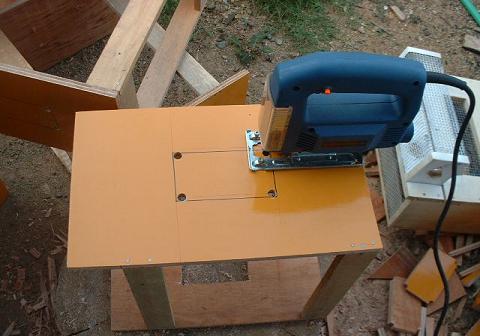 予防器、側板