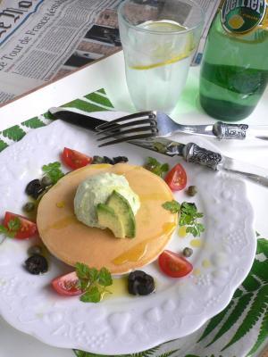 アボカドフロヨーのパンケーキ