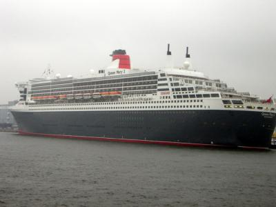 yokohama-queenmary2-057.jpg