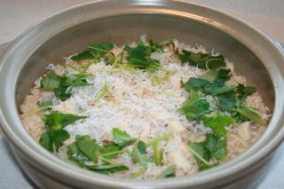帆立て貝としらすの土鍋炊き込みご飯