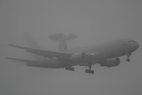 E-767_501.jpg