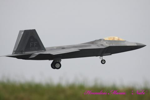 F-22_01.jpg