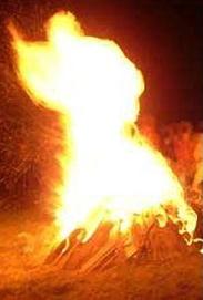 故ヨハネ・パウロ2世が炎の姿で祝福? by Dailymail