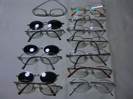大量のメガネ・・
