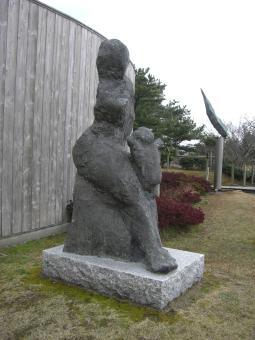 風の母子像2