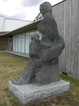 風の母子像3