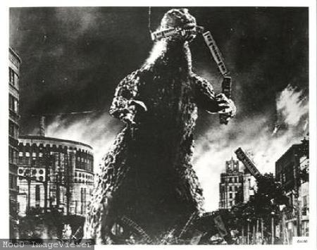 Godzilla-Photograph-C10034142 (1)電車