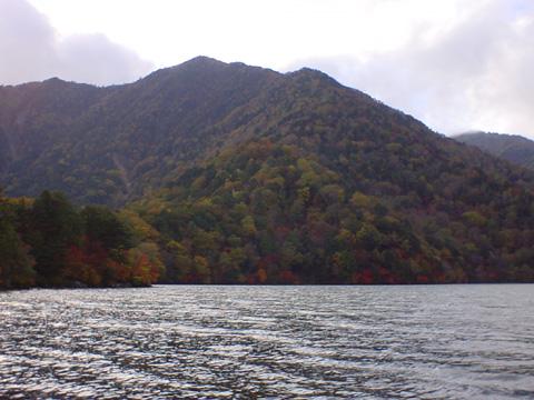 湯の湖の風は冷たく清く