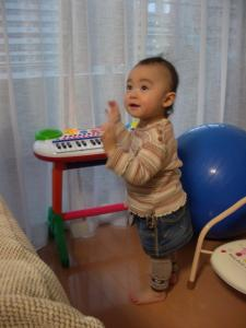 ピアノでダンス