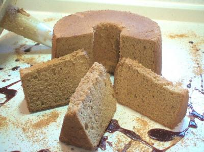 小麦胚芽と黒糖シフォンケーキ