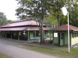 神居古潭駅舎 今はサイクリングロードの休憩所です