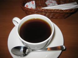 コーヒー・紅茶・ウーロン茶から選べますよ♪