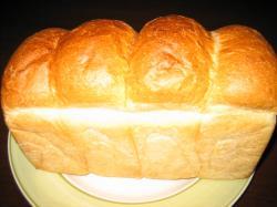 こちらも人気の山食パン 294円