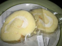 ロールケーキ 120円