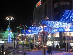 買い物公園からJR旭川駅に向かって・・・