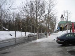 駐車場もスケートリンク状態・・・(¨;)