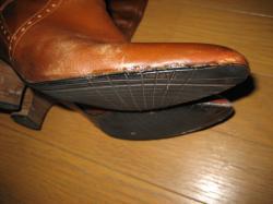 底がやぶれたブーツも修復(^^)V