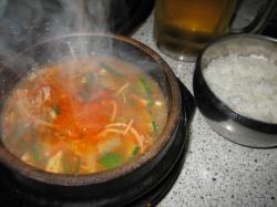 熱々の味噌チゲ ライスも付いてきます
