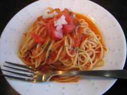 ミニパスタはトマトソース