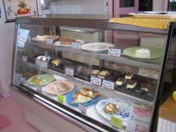 かわいい100円ケーキも♪