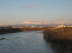 石狩川と旭川市内