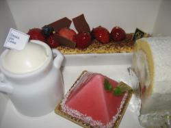 ダンデリオンのきれいなケーキ