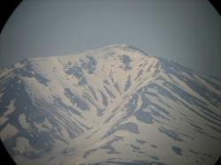 公園の望遠鏡から見た大雪山