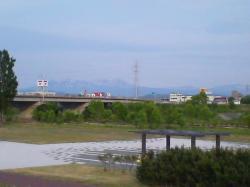 秋月橋下流河川敷から