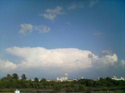 モクモクの雲