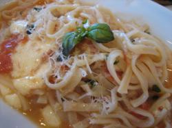 トマトとモッツァレラチーズのオリーブソース