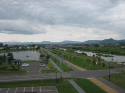 屋上展望台から見る永山新川