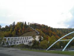 白ひげの滝への橋